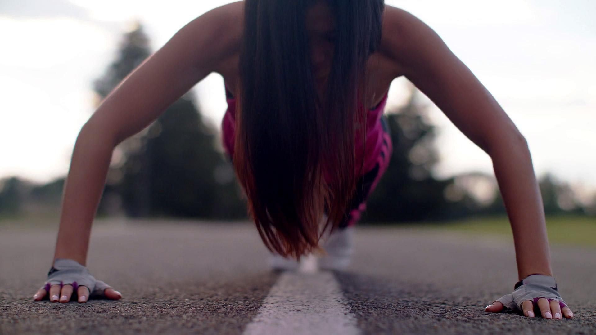 woman-sporty-fitness
